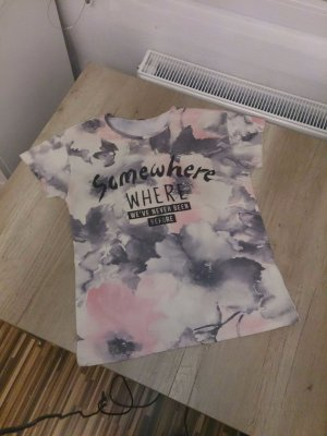 farbenfrohes Sommer-Shirt