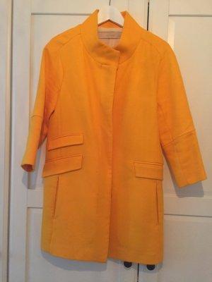 Farbenhighlight - Mandaringelber Mantel mit 3/4 Arm