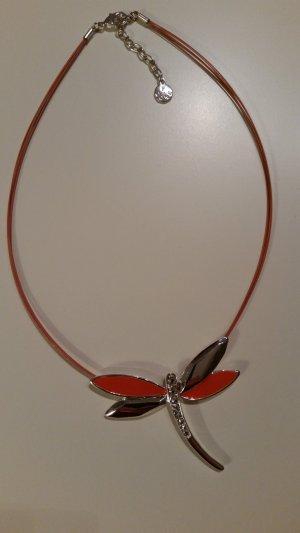 farbenstarke Leichtigkeit einer Libelle