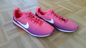Farbverlauf-Nikeschuhe