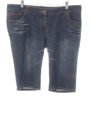 Fashion concept Pantaloncino di jeans blu stile atletico