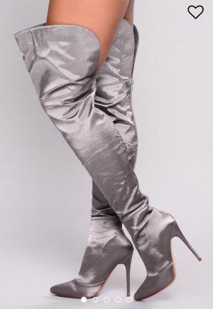 Botas sobre la rodilla gris-color plata