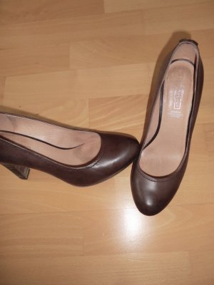 Fifth Avenue Platform Pumps brown red leather