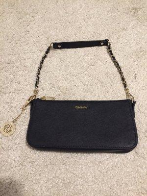 Fast wie neu! DKNY Abendtasche aus Saffiano-Leder mit zwei Trageriehmen