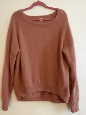 Fauschiger, rosaner Pullover aus Angorawolle