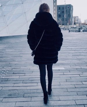 Pelt Coat black
