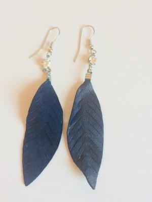 Dangle dark blue-light grey