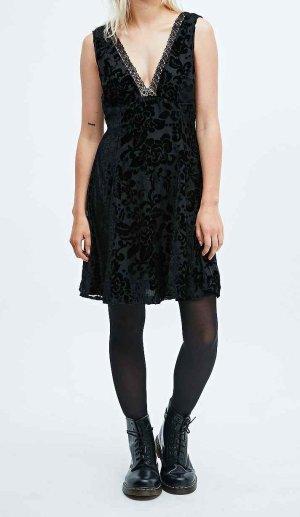 Feierliches Kleid schwarz verziert 32/34 XS neu pins and needles