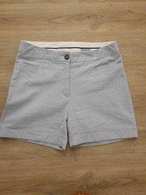 Fein-Gestreifte Hotpants