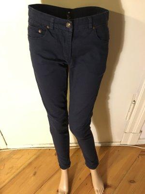 feine blaue Ankel Jeans