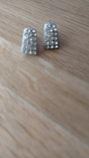 Earclip silver-colored