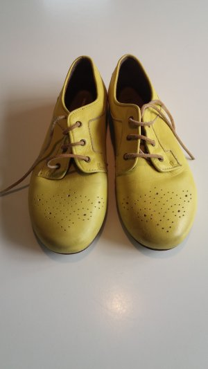 Wingtip Shoes lime yellow leather