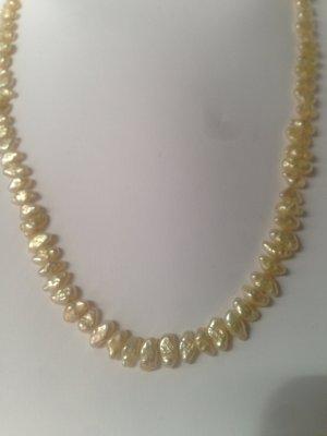Feine Süßwasser-Perlenkette