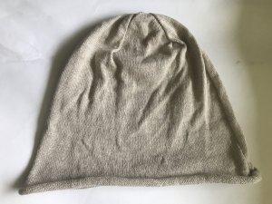 Feinstrick Mütze , sehr dünn , in beige