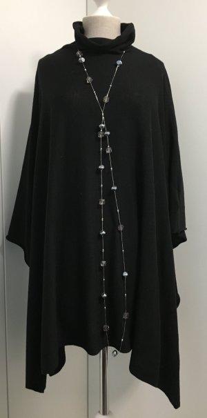 Feinstrick Poncho in schwarz