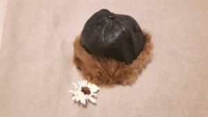 Chapeau en fourrure rouge mûre-brun pelage