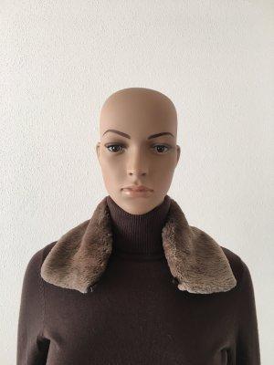 Cravate ascot gris clair-gris brun fourrure