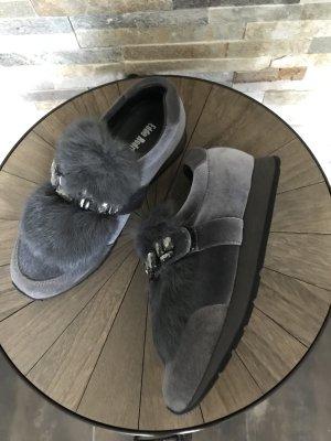 Fell-Sneaker aus Velvet mit Strasssteinen von Eddie Rodriguez Gr. 37