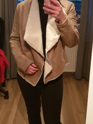 Veste en fausse fourrure marron clair-blanc cassé