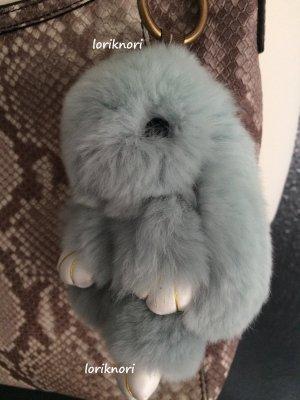 Fellkaninchen echtes Fell Hase Taschenanhänger Anhänger Schlüsselanhänger hellgrau