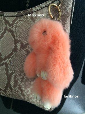 Porte-clés rose chair-abricot pelage
