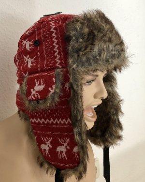 Chapeau en fourrure rouge