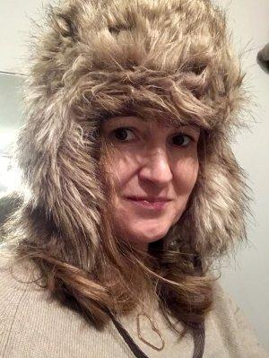 Sombrero de piel marrón grisáceo-blanco puro Piel