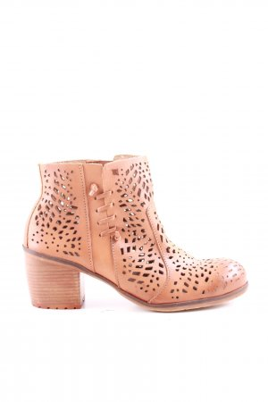 Felmini Cut Out Booties nude casual look