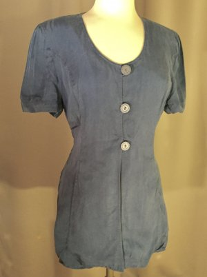 Feminine Bluse in Denimblau