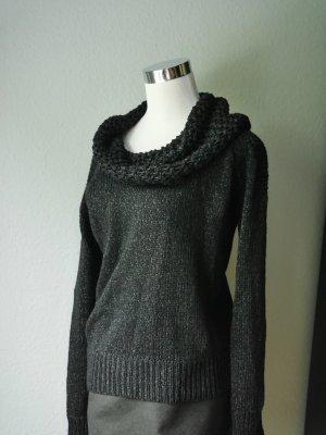 Femininer wunderschöner schwarzer Pullover