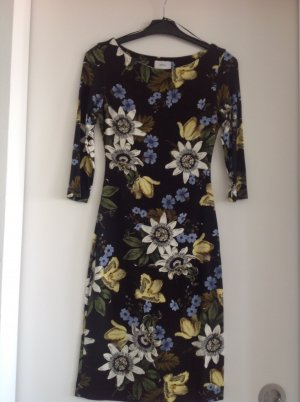 Feminines Kleid von Erdem