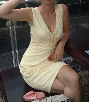 Feminines Kleid von Sienna