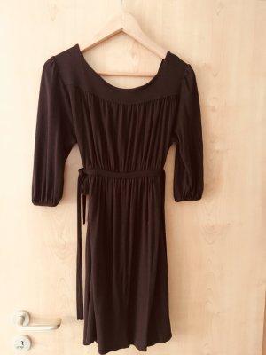 Feminines Kleid von Zara