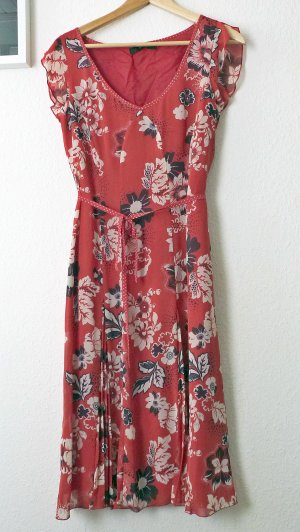 Feminines Sommerkleid mit Blumenprint