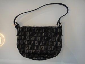 Fendi Handtasche in schwarz und silber
