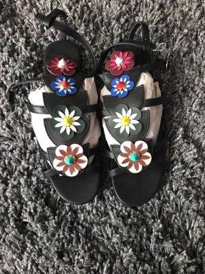 Fendi inspirierte Blumen Römer Sandalen Blogger Style