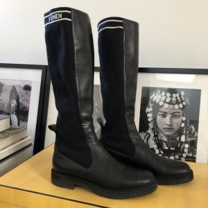 Fendi Halfhoge laarzen zwart-wit