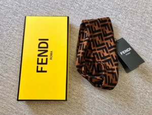 Fendi Earmuff black-brown