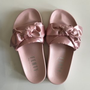 Fenty Bow Slide Schlappen rosa 35,5