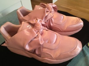 Fenty by Rihanna Puma Bow Sneakers in Pink