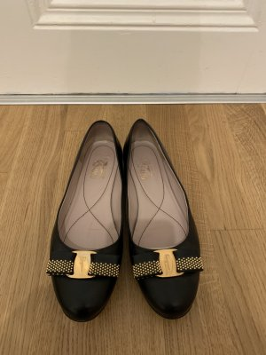 Ferragamo Mary Jane Ballerinas black leather