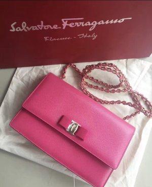 Ferragamo Tasche in Farbe Pink
