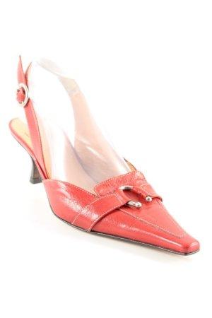 Ferri Italia Spitz-Pumps ziegelrot Street-Fashion-Look