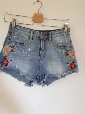 fesival shorts stickerei