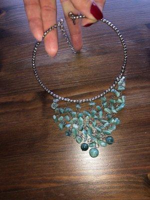 Festanliegende Halskette mit Türkis-grünen Steinen Neu