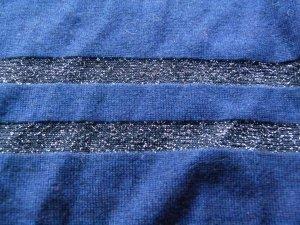 Pull col en V bleu-argenté soie