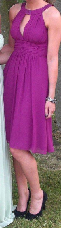 Festliches Kleid aus super schön fallendem Stoff