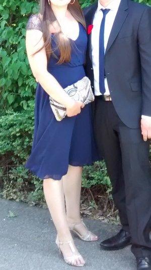 Festliches Kleid in Blau
