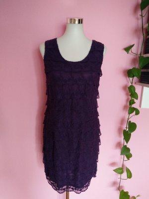Festliches Kleid mit Spitze in violett (K2)