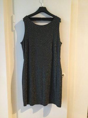 Festliches Kleid mit tiefem Rückenausschnitt